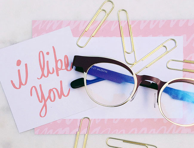 Anne et Valentin glasses are always passing notes in class. I like you. Call me. Be mine.